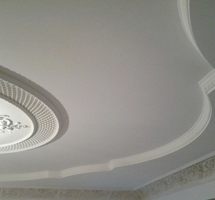 Задаетесь вопросом, как покрасить потолок? Мы поможем!