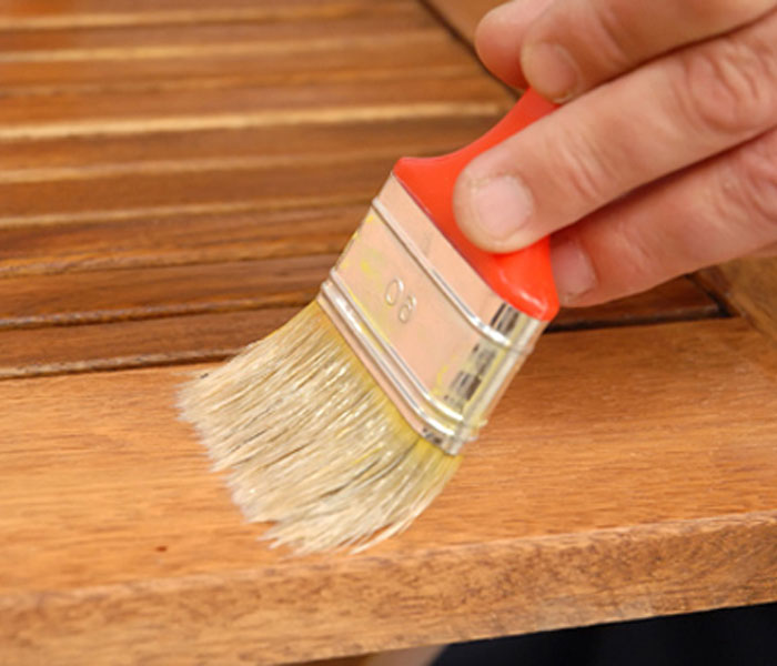 Зачем нужен антисептик для древесины и как его нанести?